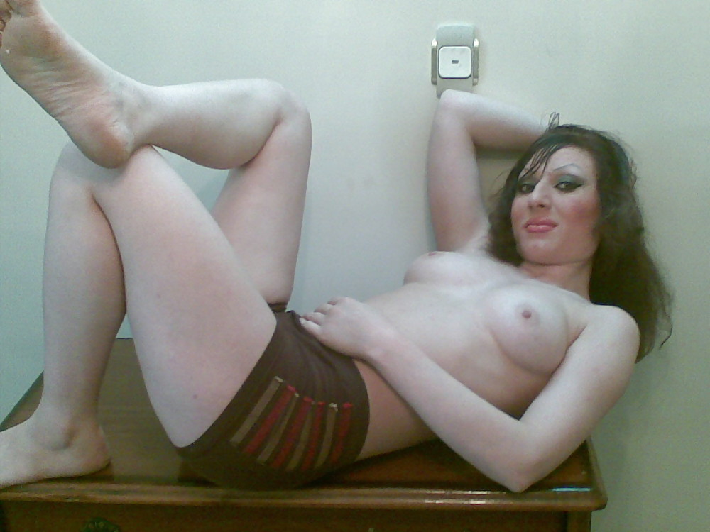 Woman and bed knob xxx
