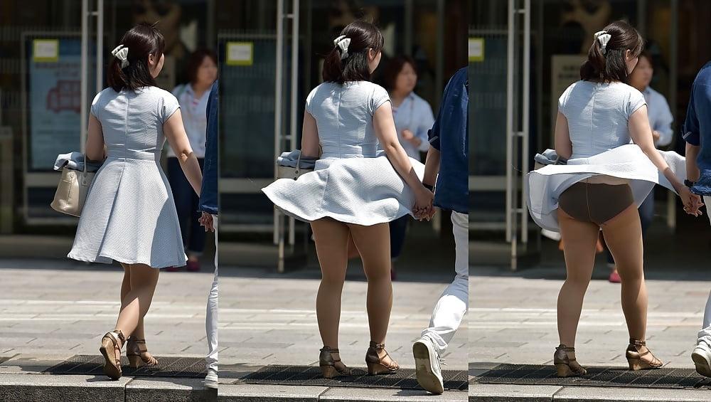Girls Legs Open Upskirts On Buss Free Pics