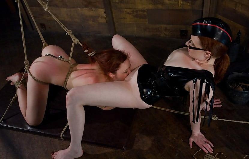 Эротическое фото женского извращения над — photo 14