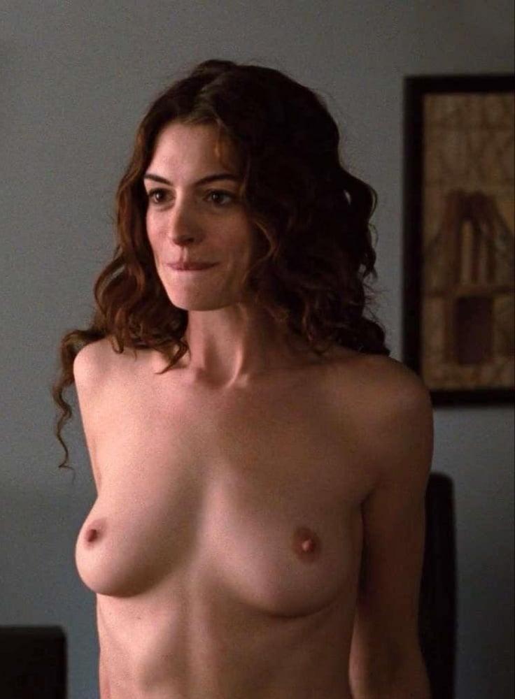 Hathaway  nackt Anne Anne Hathaway