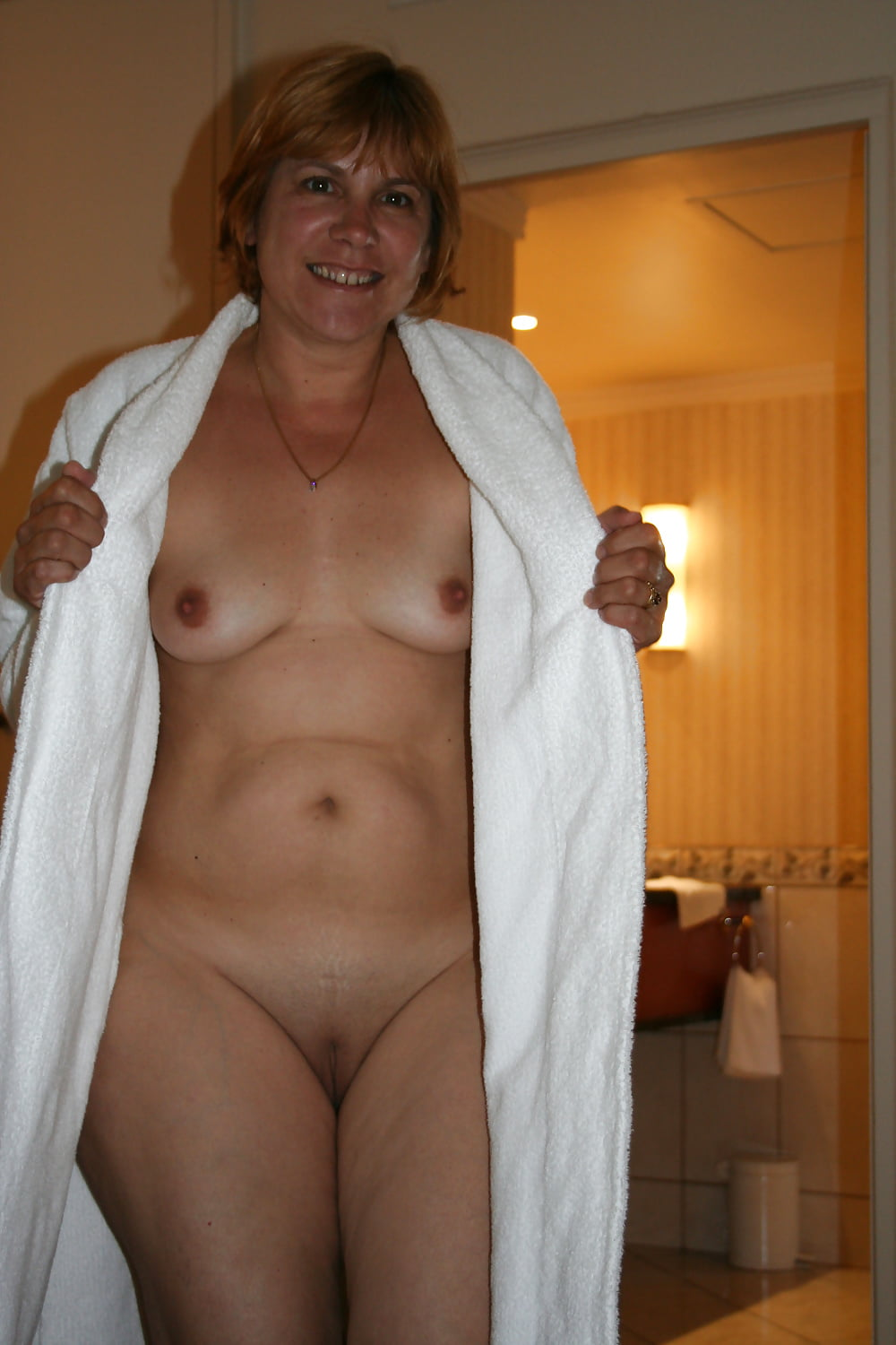 nude-with-mother-in-law