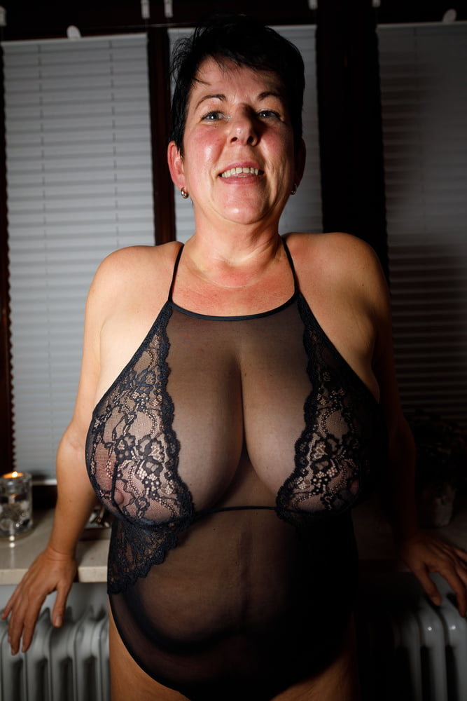 Pictures busty granny CzechCasting