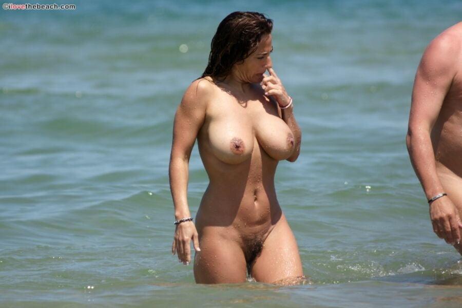 Italian fitness model Nicole topless on the beach - 47 Pics