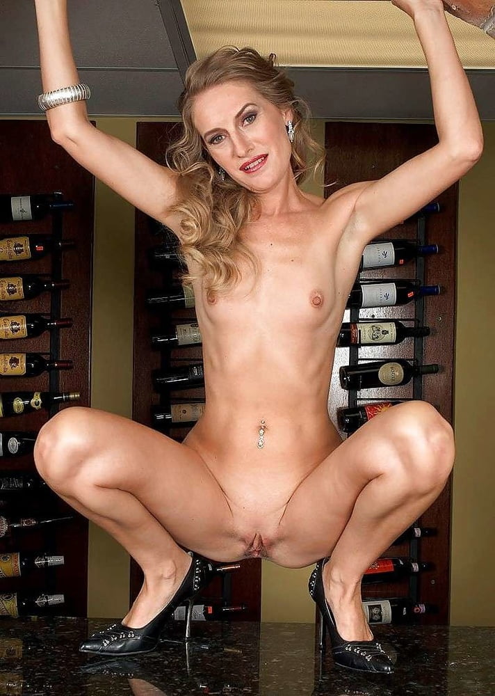 brandy-smith-nude-gallery-older-milf-and-younger-girl-fuck