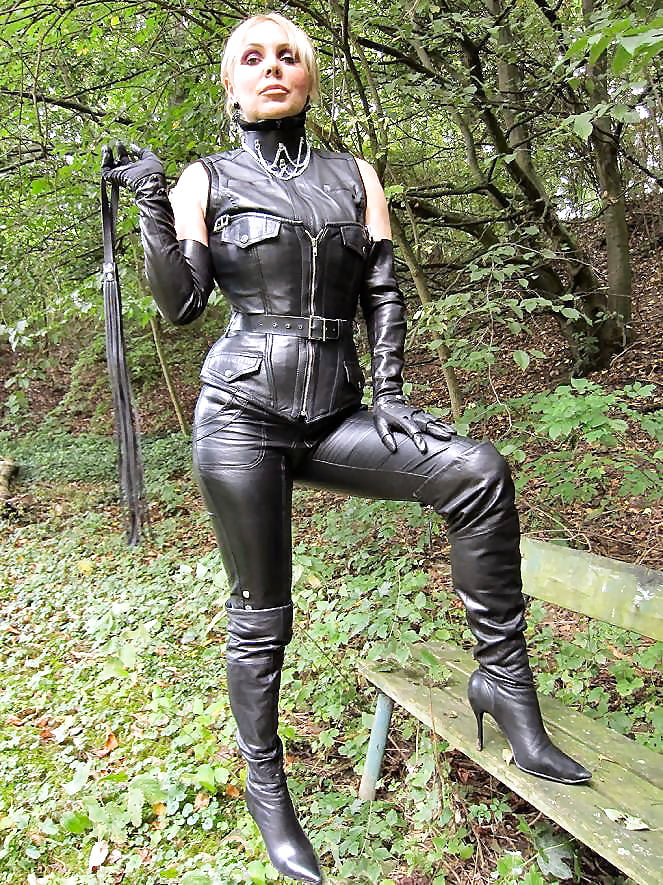 Leather fetish galleries