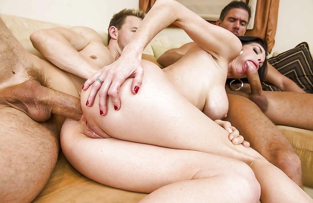 Порно зрелые три члена в анал