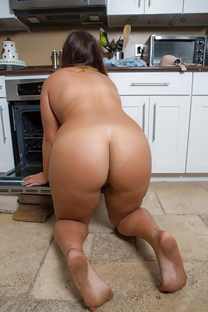 Attractive House Keeper Nude Png