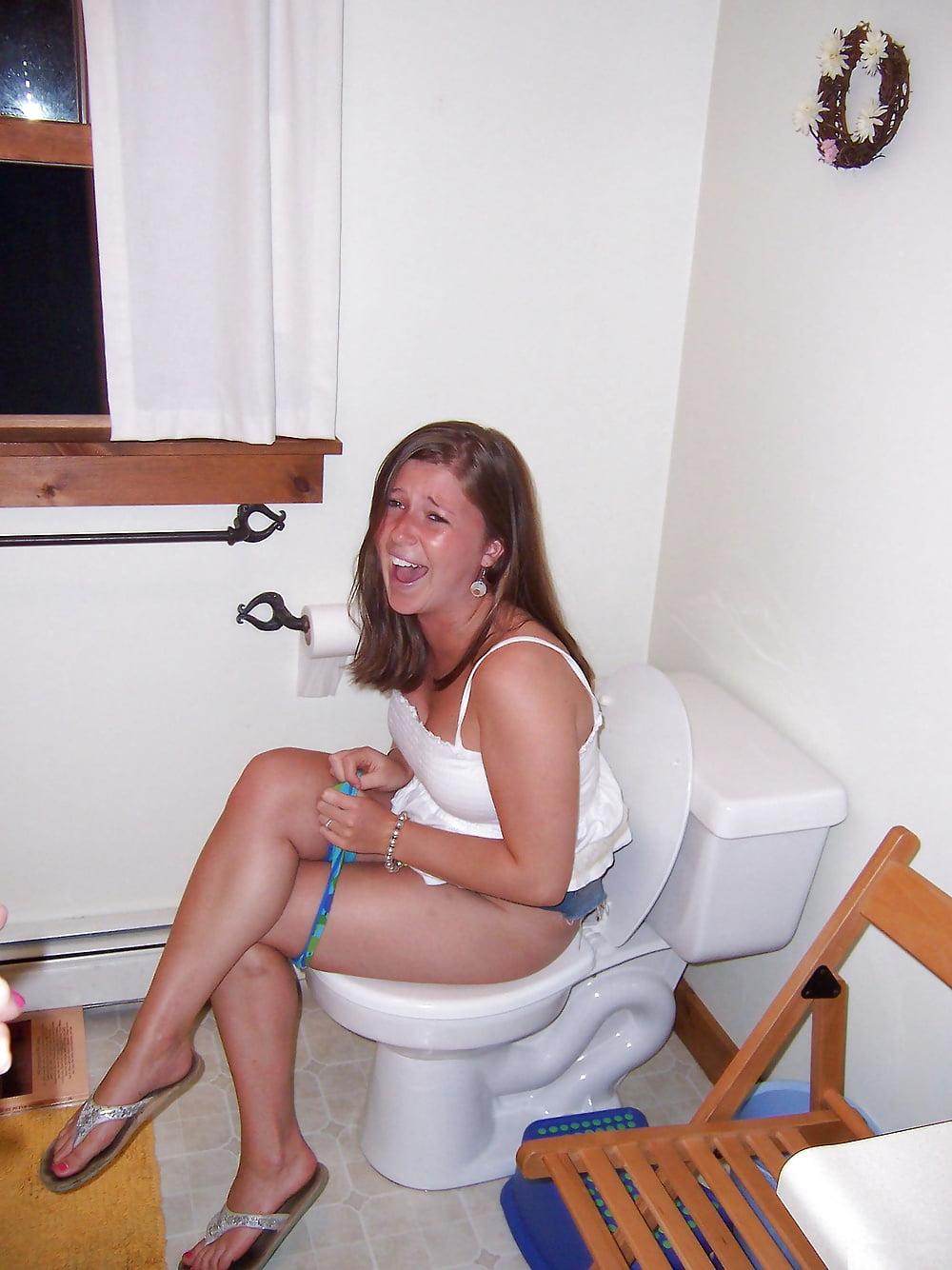 Gf naked on toilet