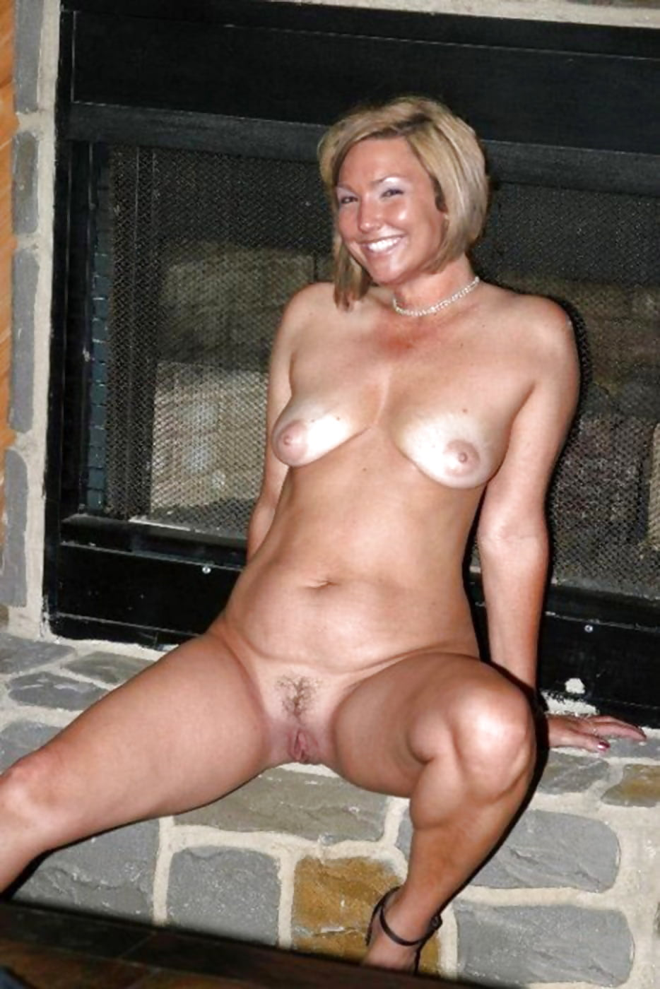 Thick milfs nude