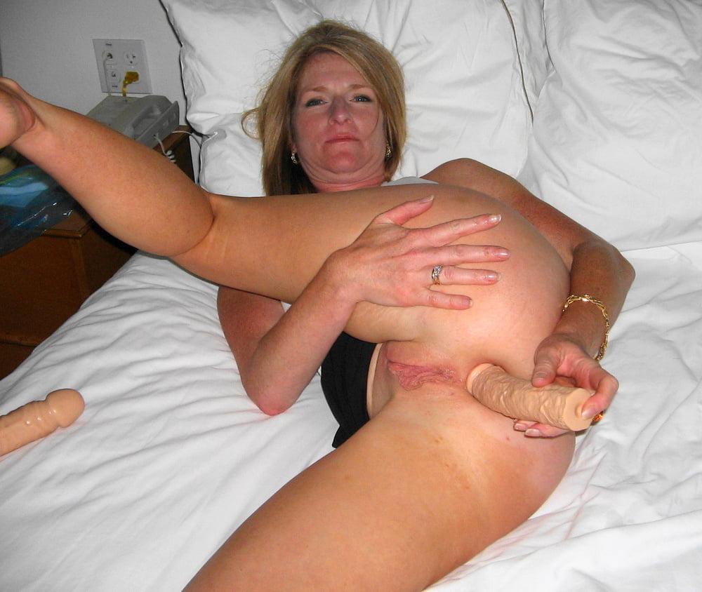 mature-wives-masterbating