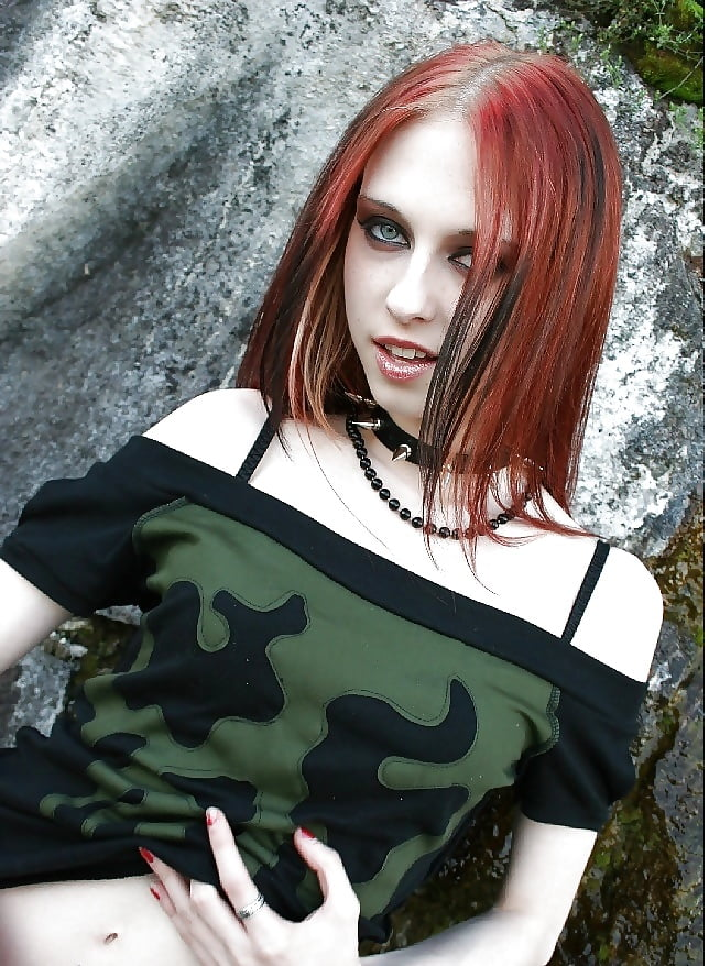 redhead-goth-girl-naked-chubby-missionary-sex