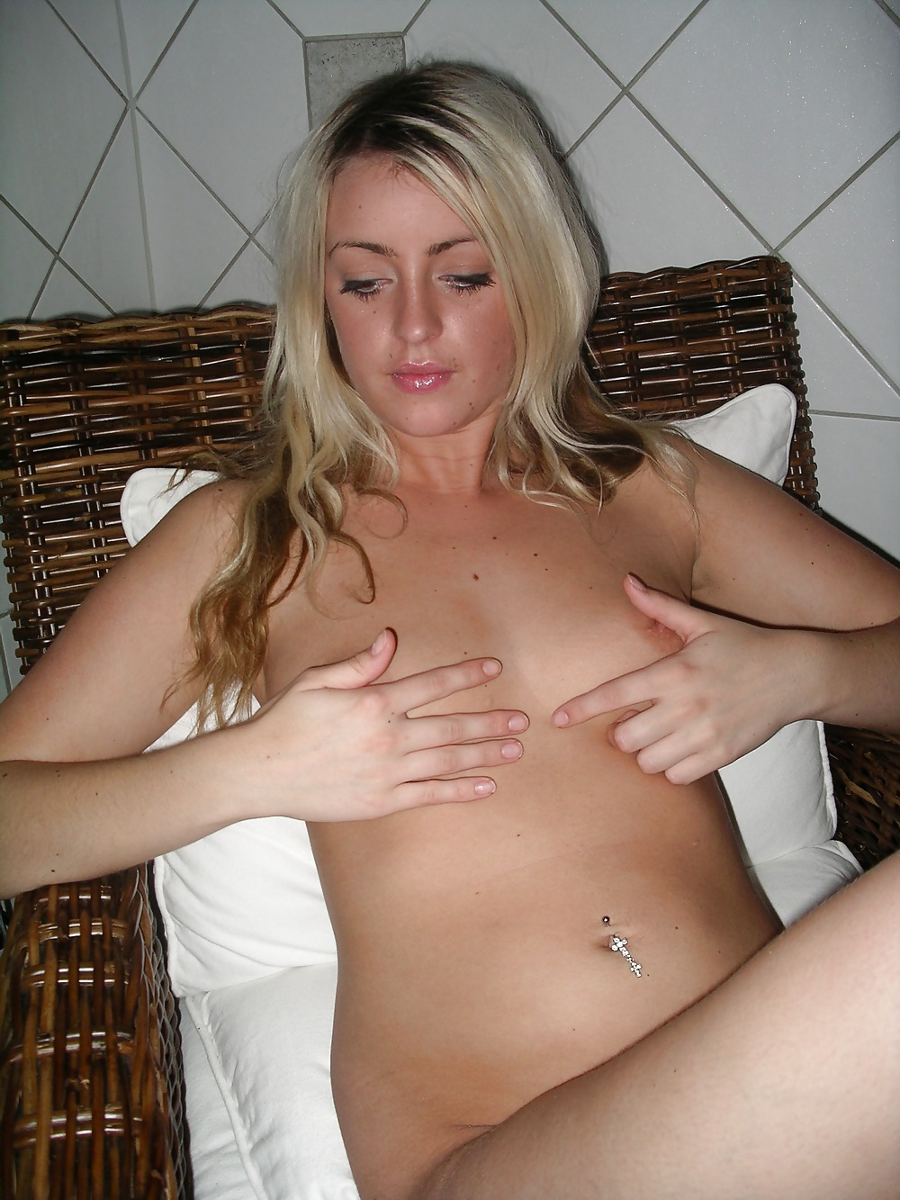 naked-polish-bitches-unseen-pussy-shots