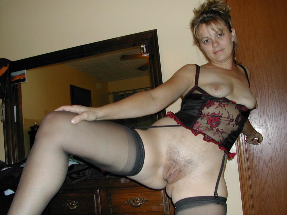 Волосатые шлюхи в прозрачном, женщины кайфуют в сексе фотки