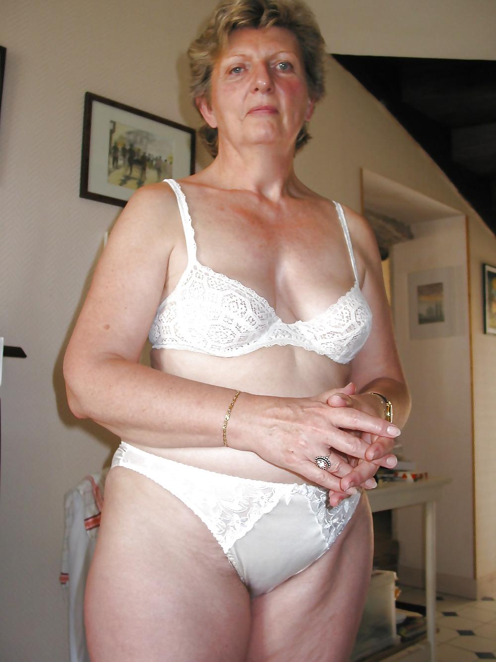 mature-women-underwear-pictures-blode-pics-las