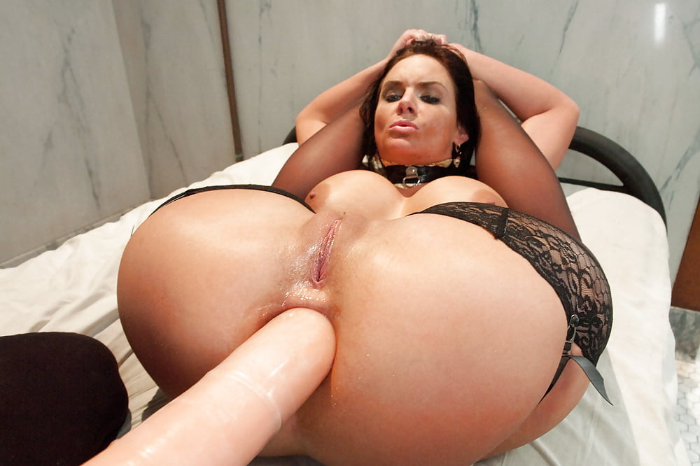 Mone divine double penetration