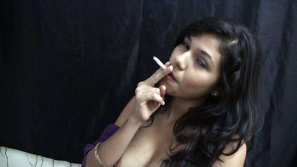 naked-latinas-smoking-cigarettes-pussi-nacked-photo