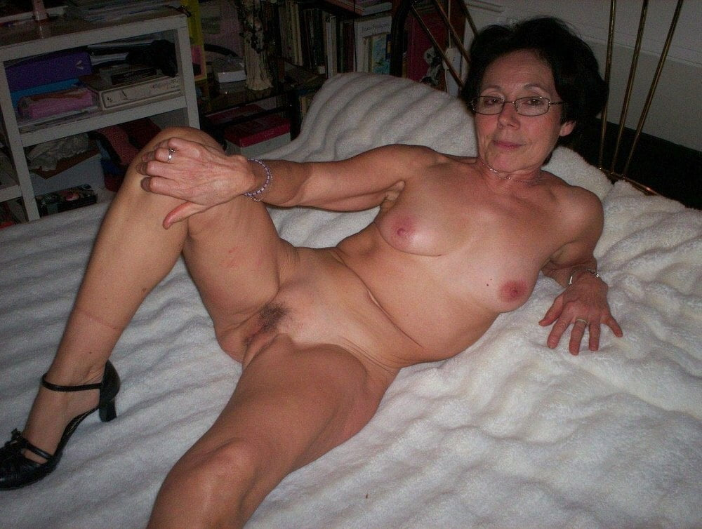pictures-of-amature-mature-women-most