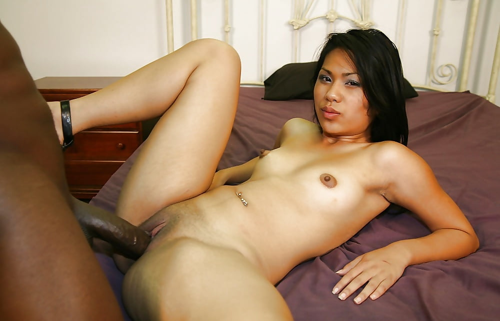 Pussy stretching oriental whore