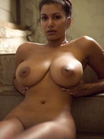 Nude Images Score boobs e store