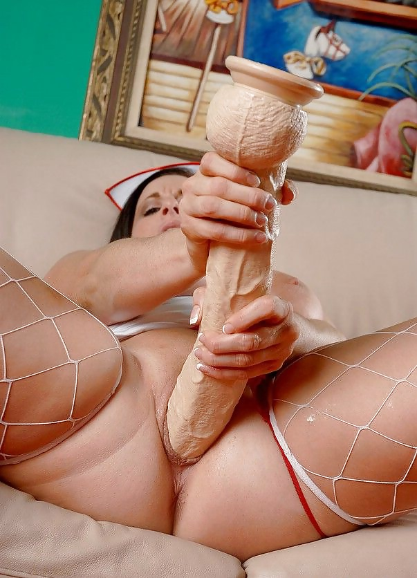 fat-girl-with-long-dildo
