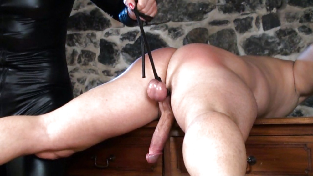 Mom spanking balls free sex pics