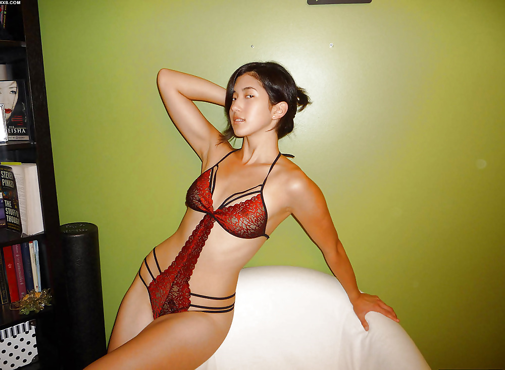 Hot shaved asian pussy