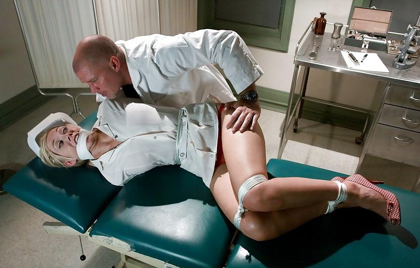 маленькая грудь эротический фильм частная клиника ирочка, как