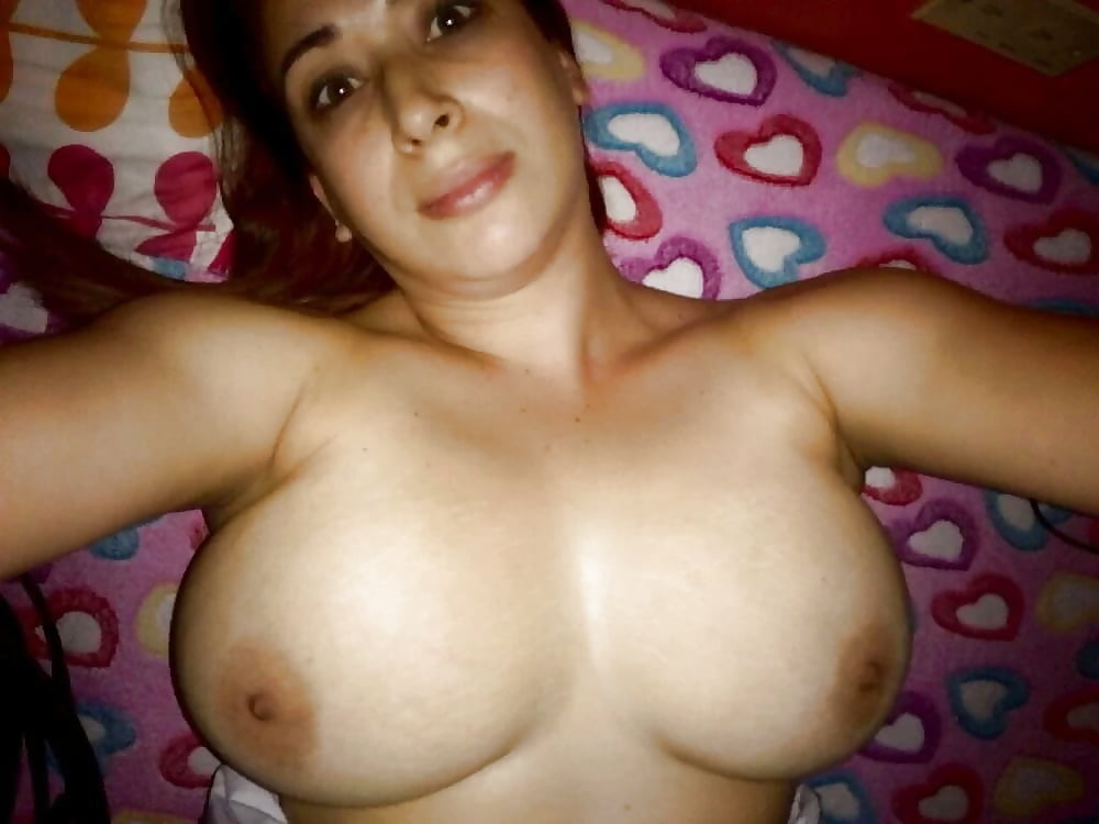 pics-of-arab-big-naked-breasts