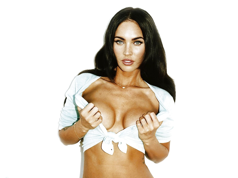 Megan fox boobs pics