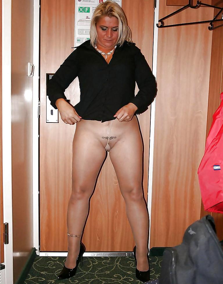 Nude moms pantyhose, sexy midget female naked