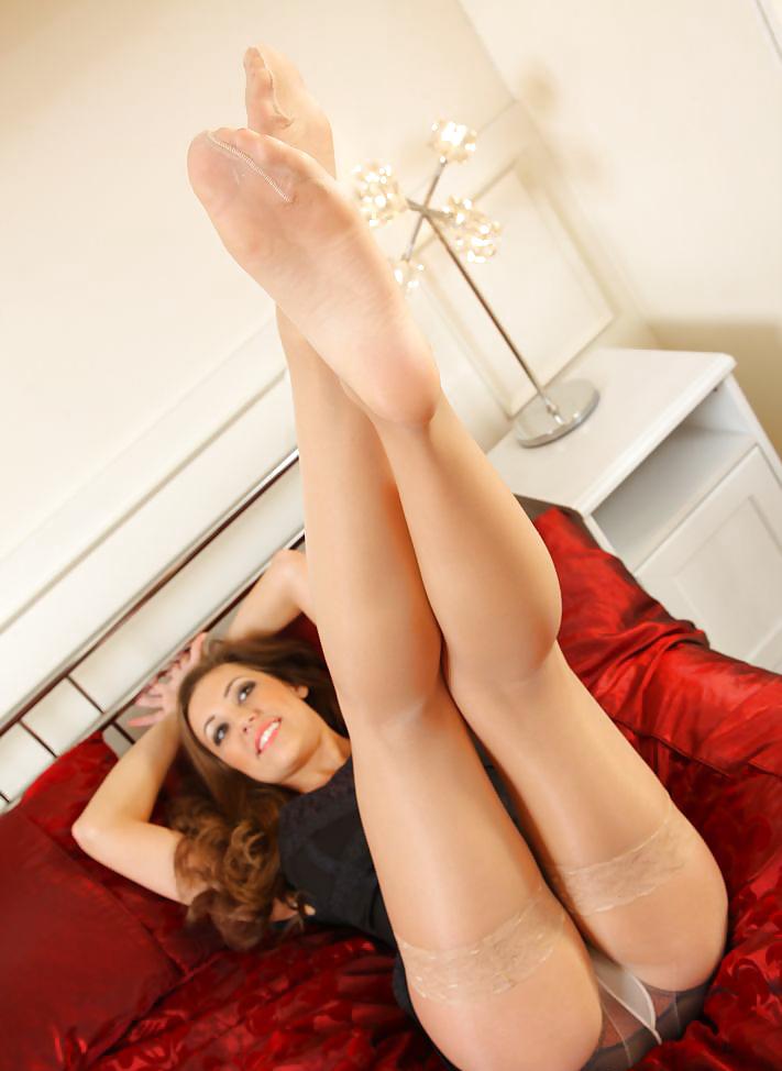 Mature nylon feet pictures