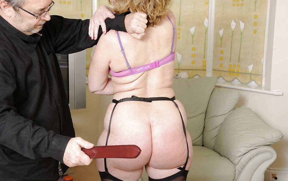 Mature ladies who spank — pic 4