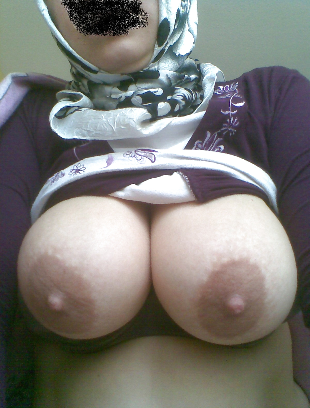 Search results for turkish boobs