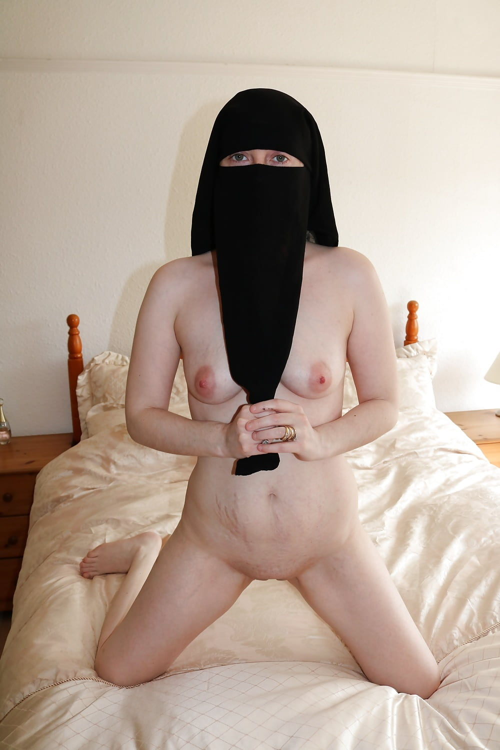 Niqab naked — photo 5