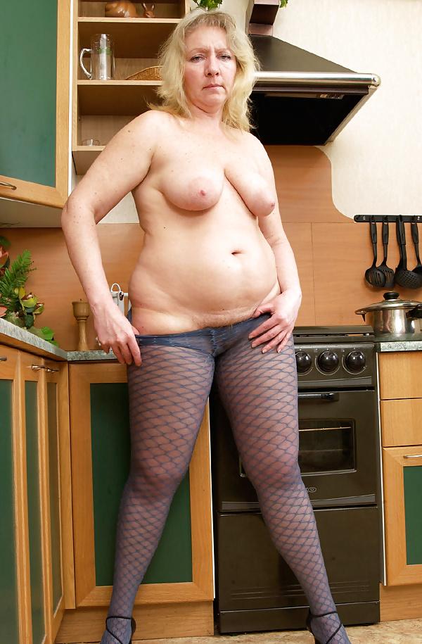 Mature tits mom-9094