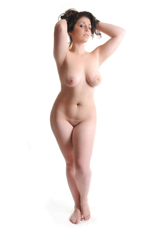 Thick nude young women — pic 3