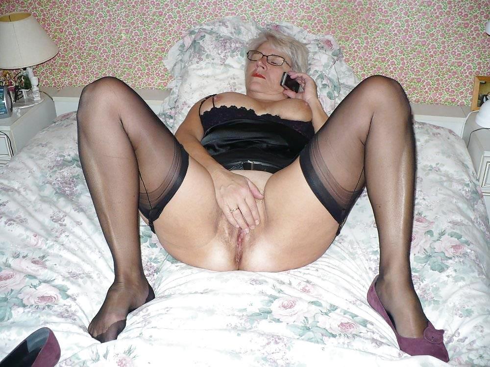Amateur mature nude gallery