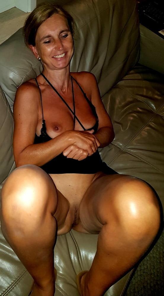 Mature blonde free porn