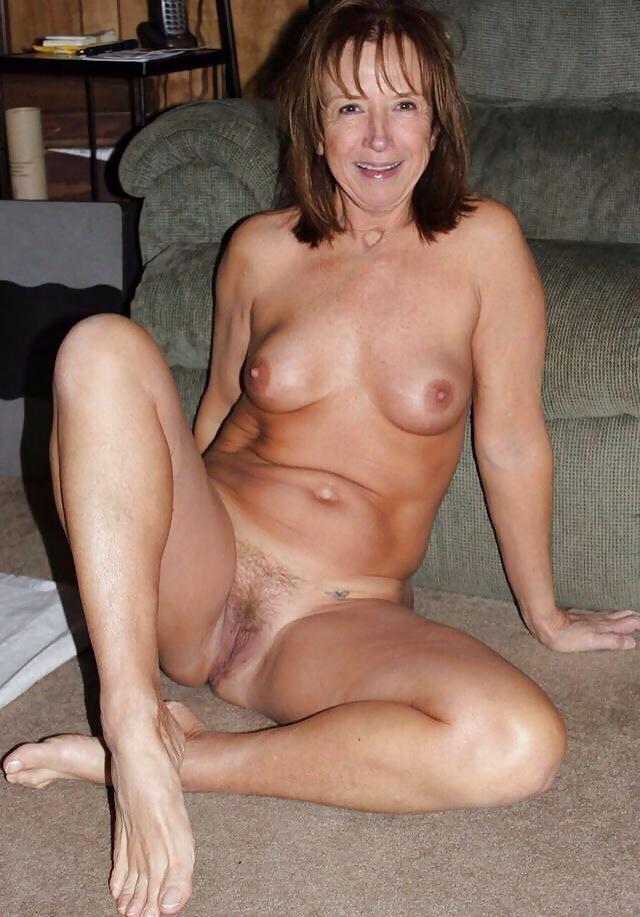 Free lesbian older milf