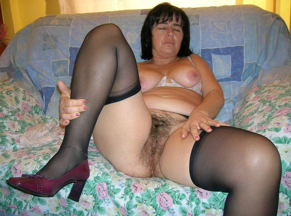 Sexy hairy old women