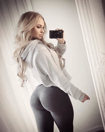 anna cute fitness girl with hot ass and legs