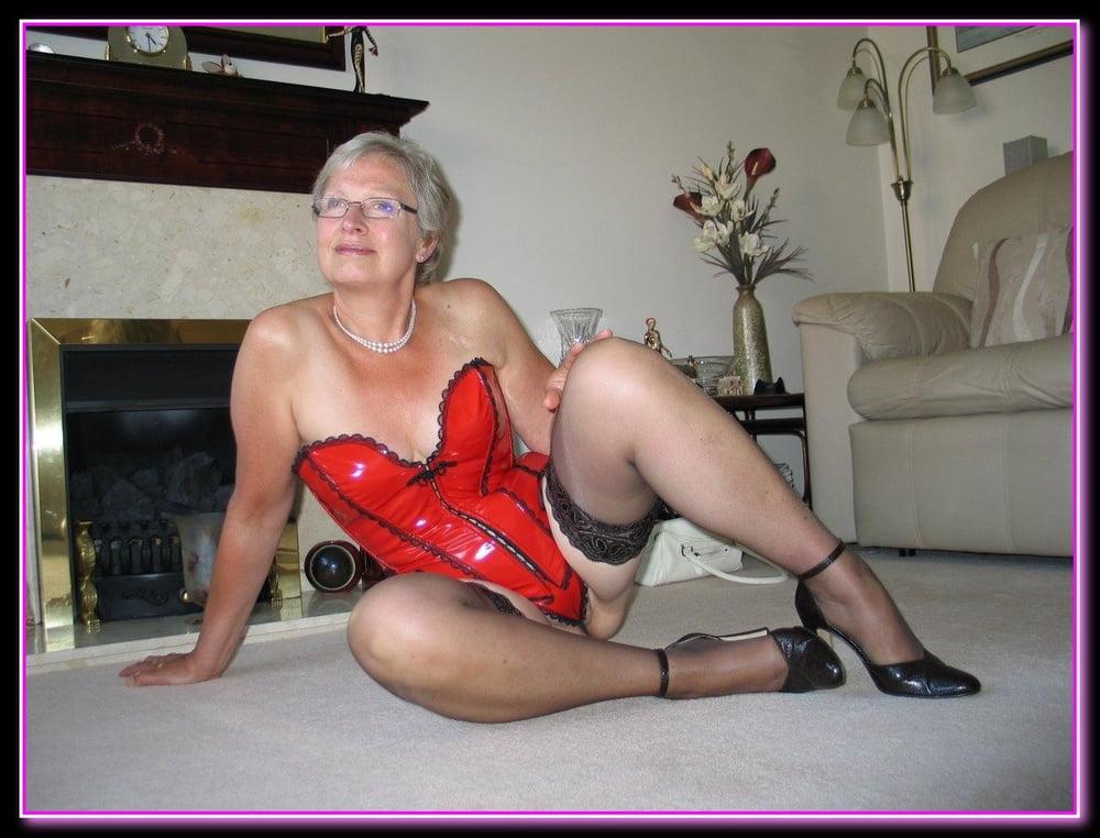 porn-uk-filthy-grannies-nude