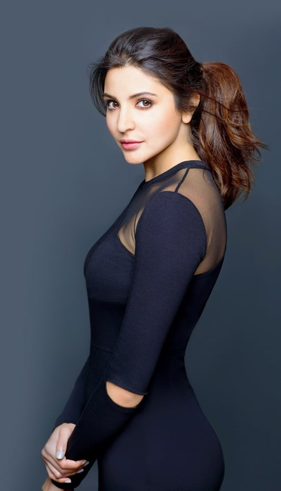 Anushka sharma sexy photo hd