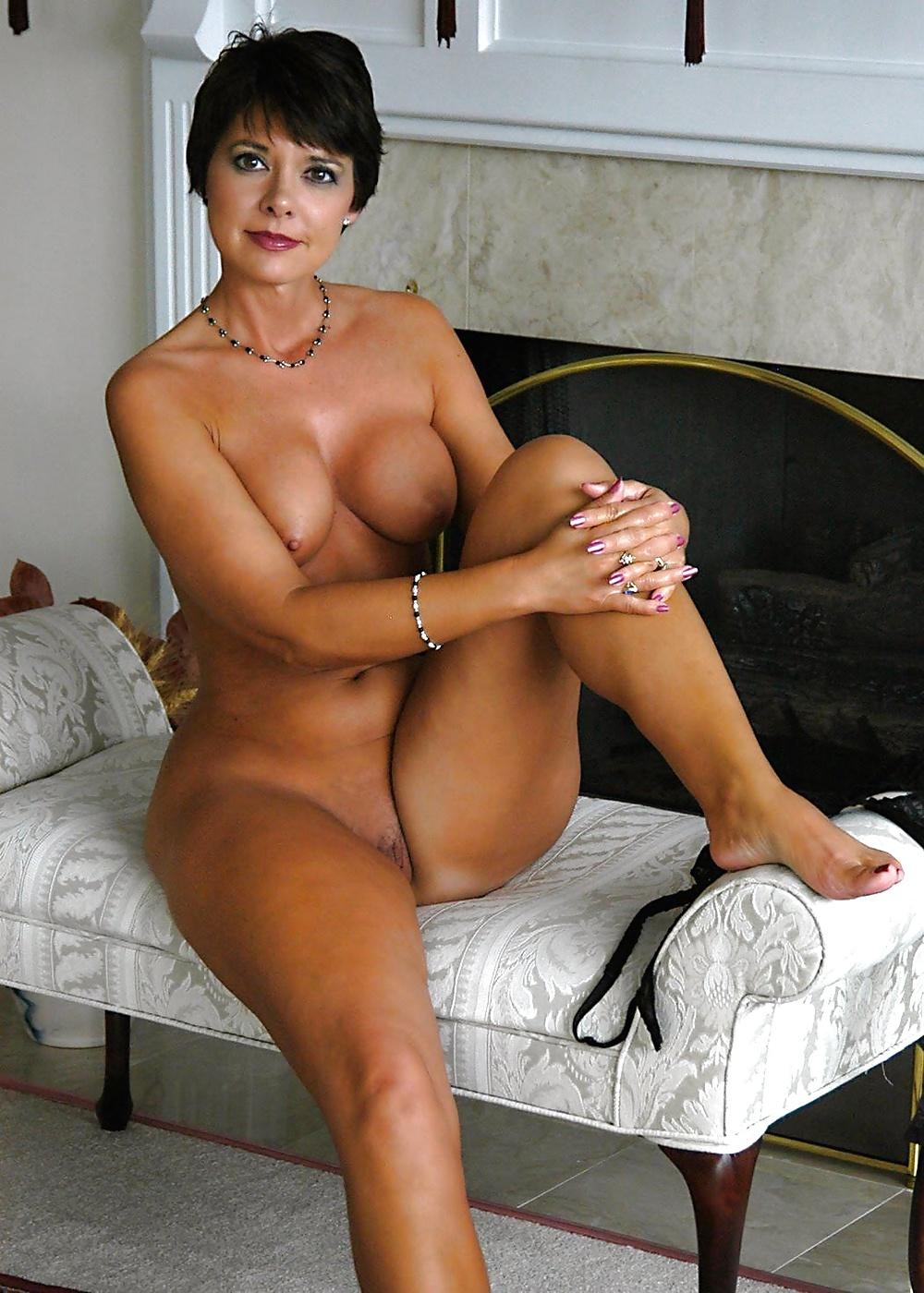 порно фото женщин в возрасте с короткой стрижкой