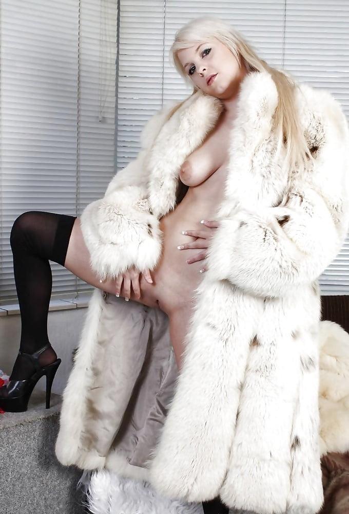 Free Naked Girls Wearing Fur Coats
