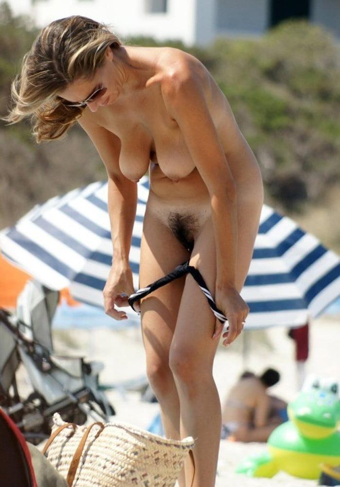 Lesbian voyeur amateur #1