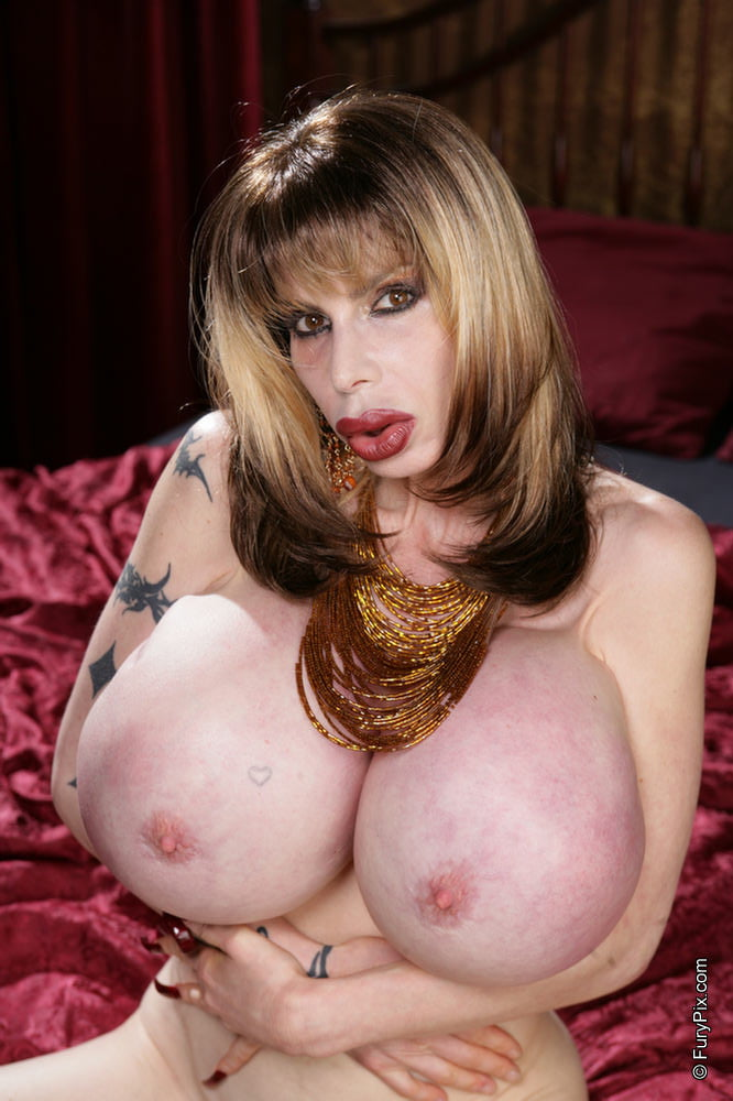 Mature mistress pics