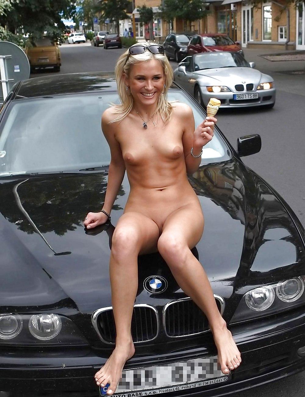 Girls flash chicks nude sexy amazon