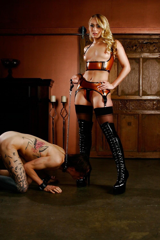 High heels mistress