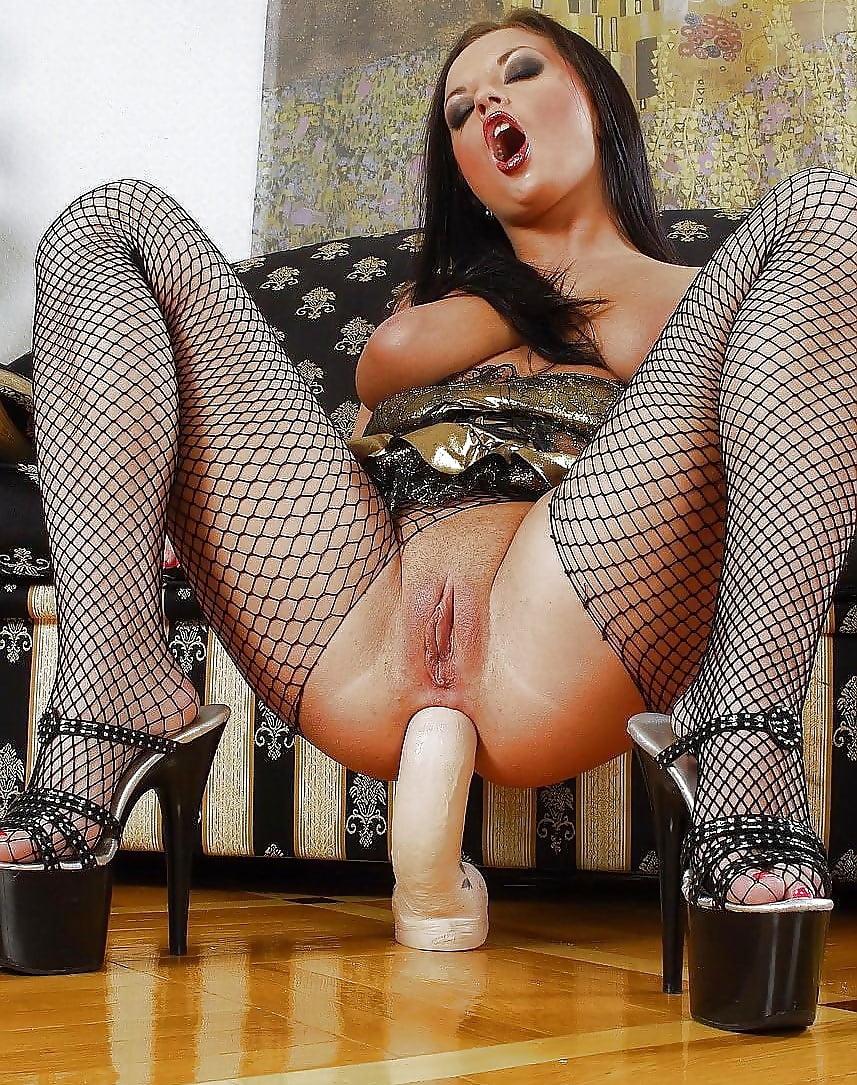 Порно ролики девушек на каблуках соло